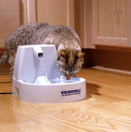 classement guide d 39 achat top fontaines a eau pour chat de ao t 2017. Black Bedroom Furniture Sets. Home Design Ideas