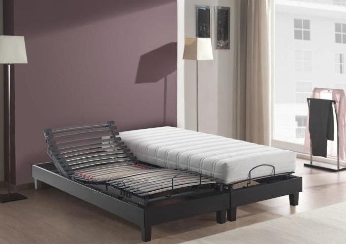 sommier directement au sol aot sommeil de luenfant mthode montessori tatamis pieds bois. Black Bedroom Furniture Sets. Home Design Ideas