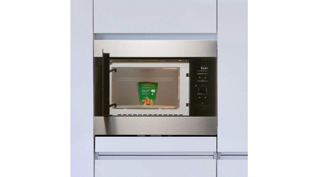 3-electrolux-ems26004ox