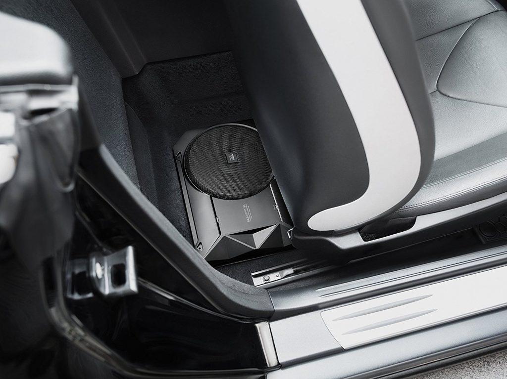 caisson de basse amplifi pour voiture guide d 39 achat pour choisir un bon en avr 2018. Black Bedroom Furniture Sets. Home Design Ideas