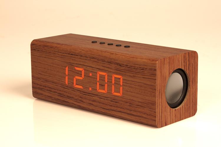 radio r veil en bois guide d 39 achat pour choisir un bon en. Black Bedroom Furniture Sets. Home Design Ideas